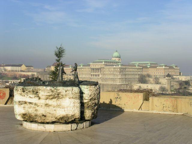 http://www.talusha1.narod.ru/travel/budapest/pics/citadel/PICT0740.jpg