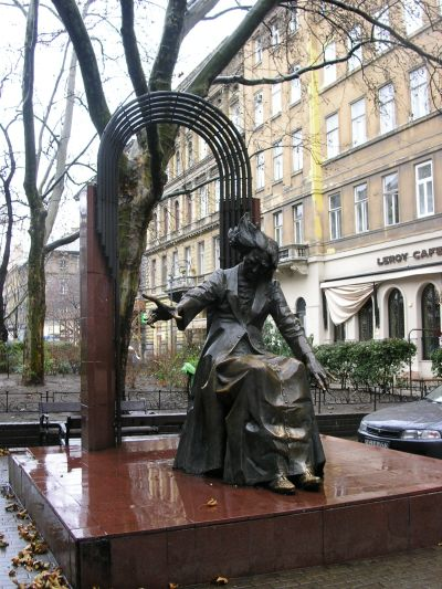 http://www.talusha1.narod.ru/travel/budapest/pics/pest/PICT0047.jpg