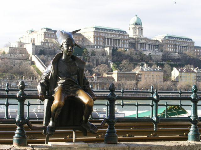 http://www.talusha1.narod.ru/travel/budapest/pics/pest/PICT0241.jpg