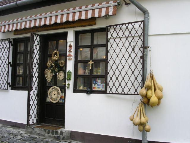 http://www.talusha1.narod.ru/travel/budapest/pics/sentendre/PICT0592.jpg